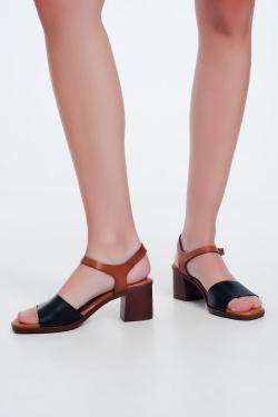 Sandales à talons carrés noué à la cheville Noir
